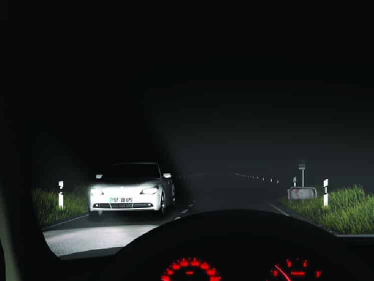 Eclairage, phares, optiques, entretiens, mécanique auto au garage KER-AUTO à Kervignac sur le secteur de Riantec, Hennebont, Languidic, Plouhinec et Brandérion.