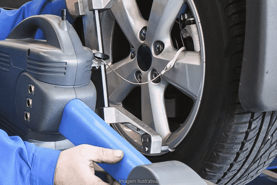 Pneumatiques, pneus, parallélisme, réparation de panne auto au garage KER-AUTO à Kervignac sur le secteur de Riantec, Hennebont, Languidic, Inzinzac-Lochrist et Brandérion.